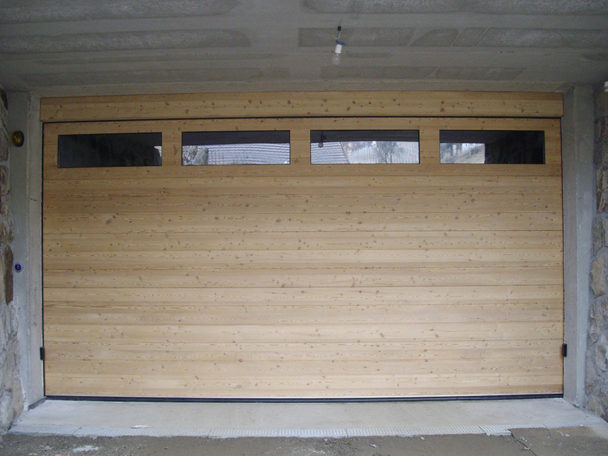 Garagentor sektionaltor holz  Sektionaltore in Holzausführung - Südtirol Türen in Bruneck